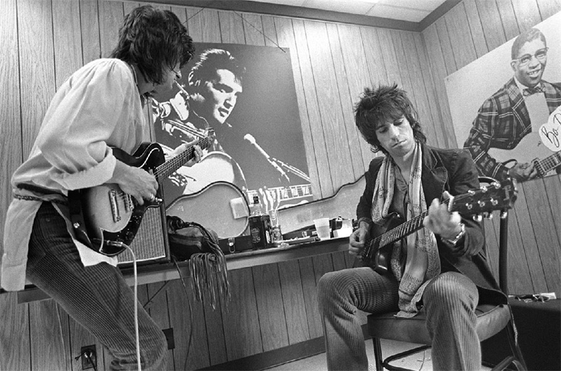 Ron Wood & Keith Richards, Backstage