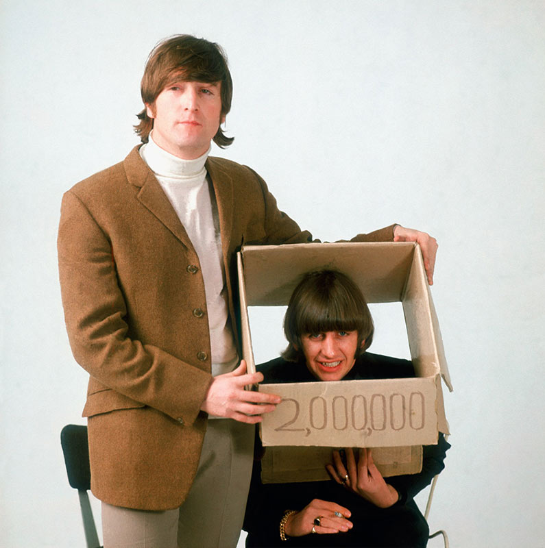 John Lennon & Ringo Starr, Head in a Box, London, 1966