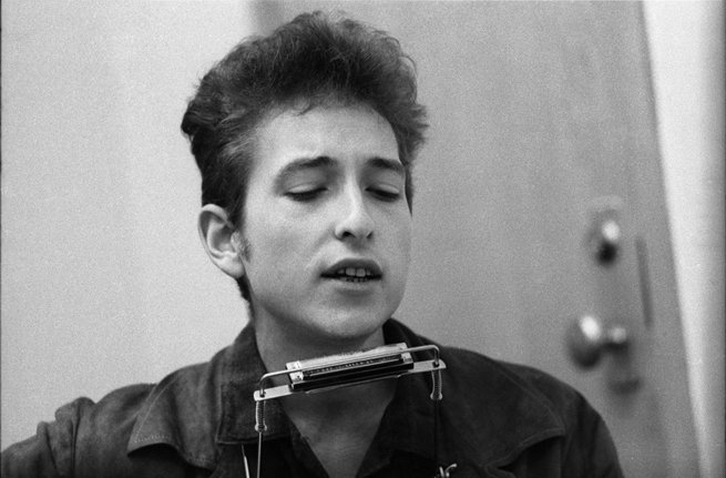 Bob Dylan Backstage Singing, NYC, 1964