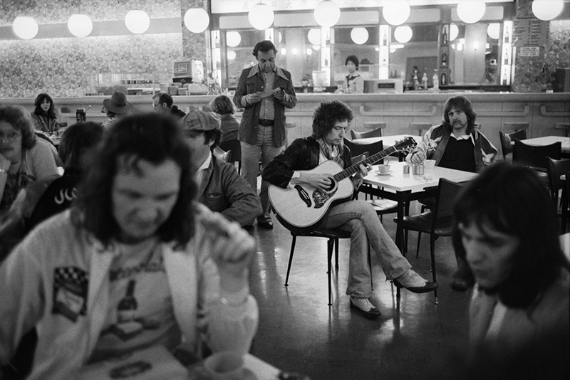 Bob Dylan, Hong Kong International Airport, 1978 (Touring Party)