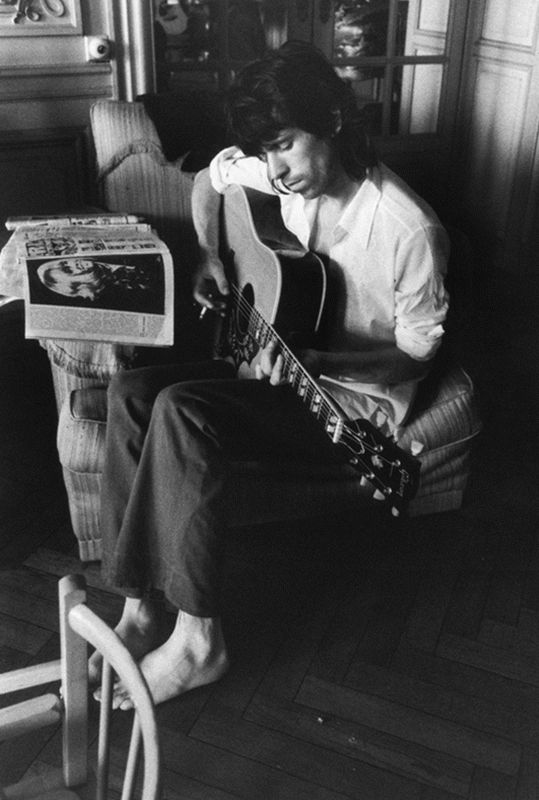 Keith Richards on Guitar, Barefoot, Nellcôte, France, 1971