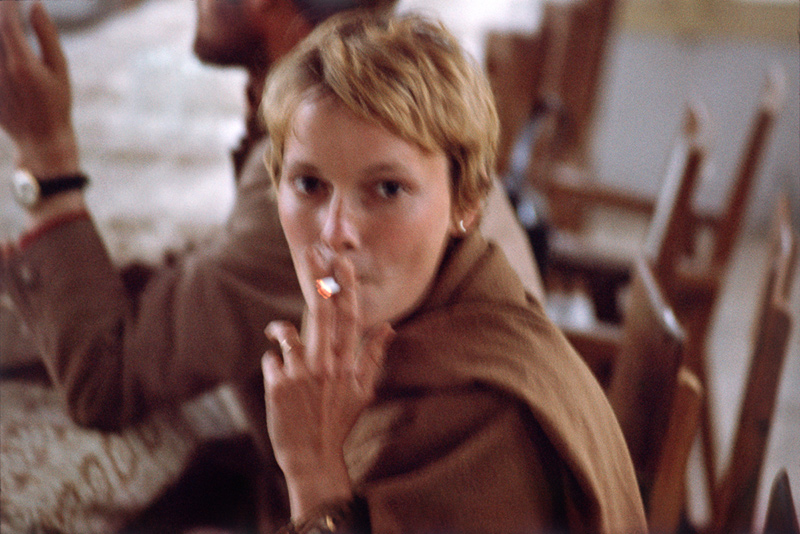 Mia Farrow, Smoking