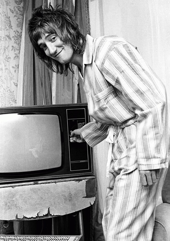 Rod Stewart in Pajamas, Royal Garden Hotel, London, 1974