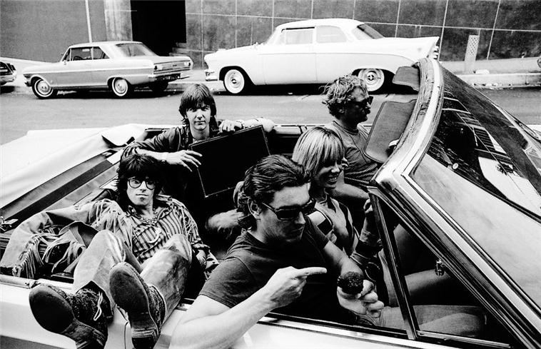 Keith Richards, Gram Parsons, Anita Pallenberg, Tony Foutz & Phil Kauffman in Car, LA, 1968