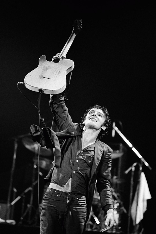 Bruce Springsteen Onstage, Guitar Salute, 1978