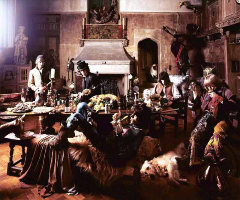 The Rolling Stones - Dogs into Camera, Beggars Banquet Album Cover Shoot, London 1968
