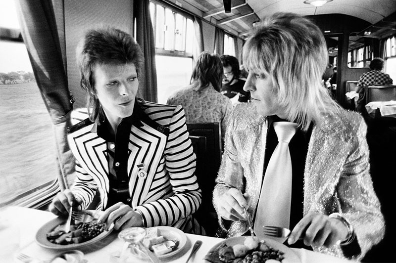 David Bowie and Mick Ronson, Train to Scotland, 1972
