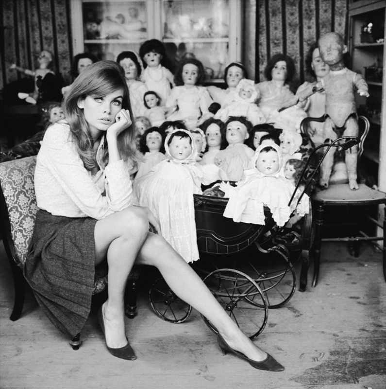 Jean Shrimpton, Dolls Hospital, London, 1964