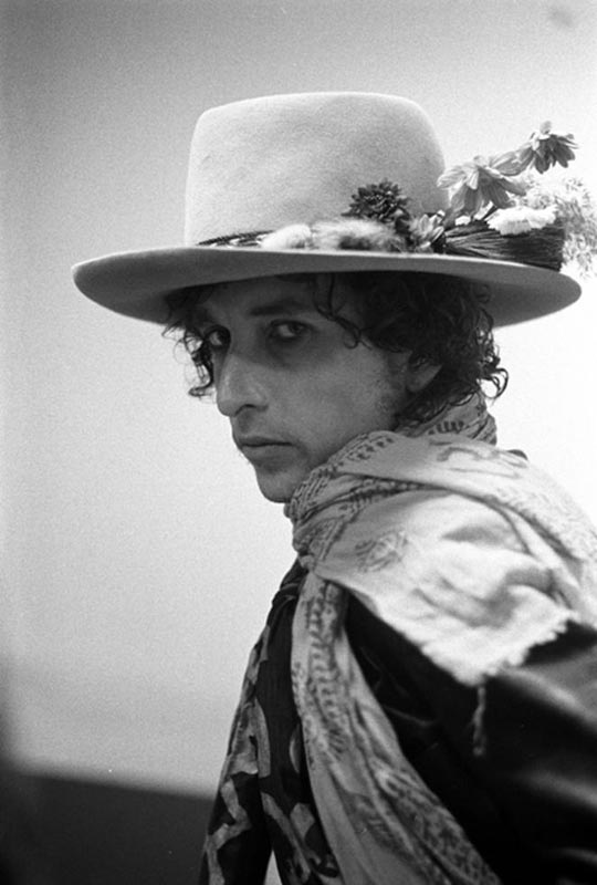 Bob Dylan Portrait in Hat and Scarf, New Haven, CT, 1975