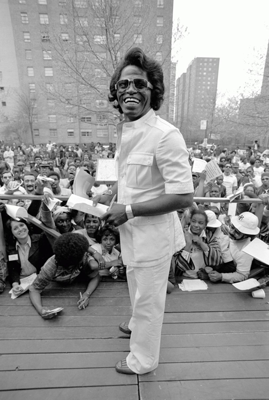 James Brown Smiling, Harlem, NY, 1979 (Vertical)