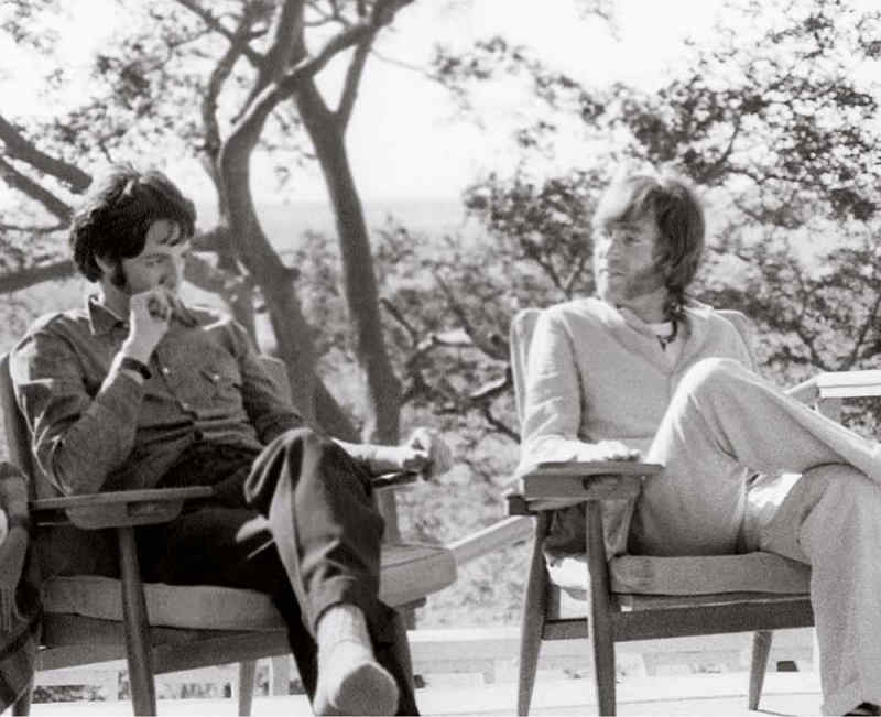 Paul McCartney & John Lennon, India, 1968