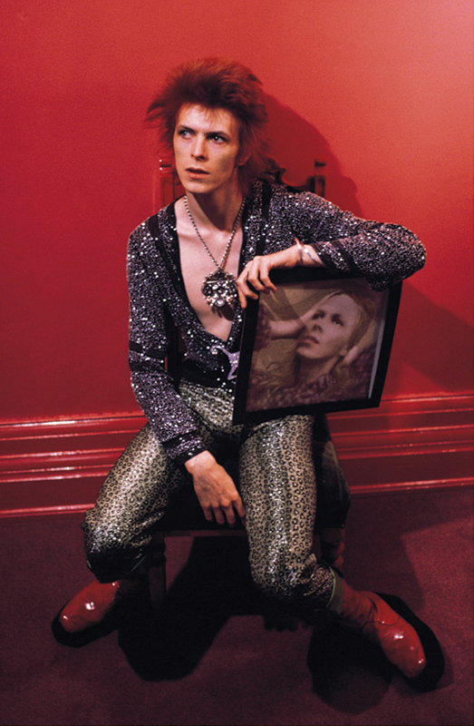 David Bowie with Hunky Dory Record Sleeve, 1972