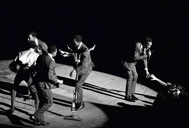 The Temptations Performing, Fox Theater, Detroit, 1967