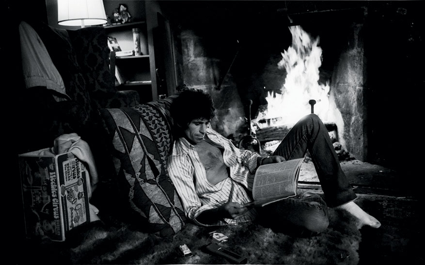 Keith Richards Reading at Home, Connecticut, 1977